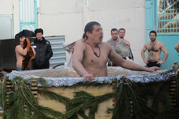 В исправительных учреждениях Астраханской области отметили Крещение Господне